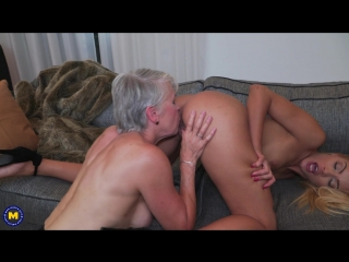 2 old and young lesbians playing with eachother - http://www.7porn.xyz