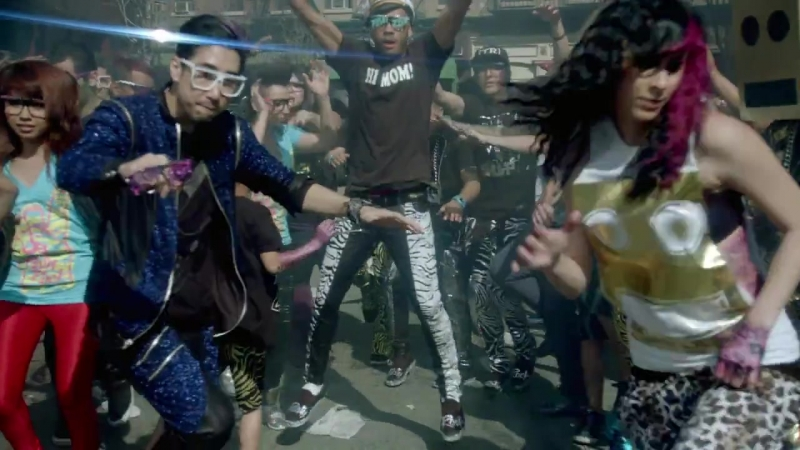 LMFAO - Party Rock Anthem Shuffle (Every day Im shufflin)