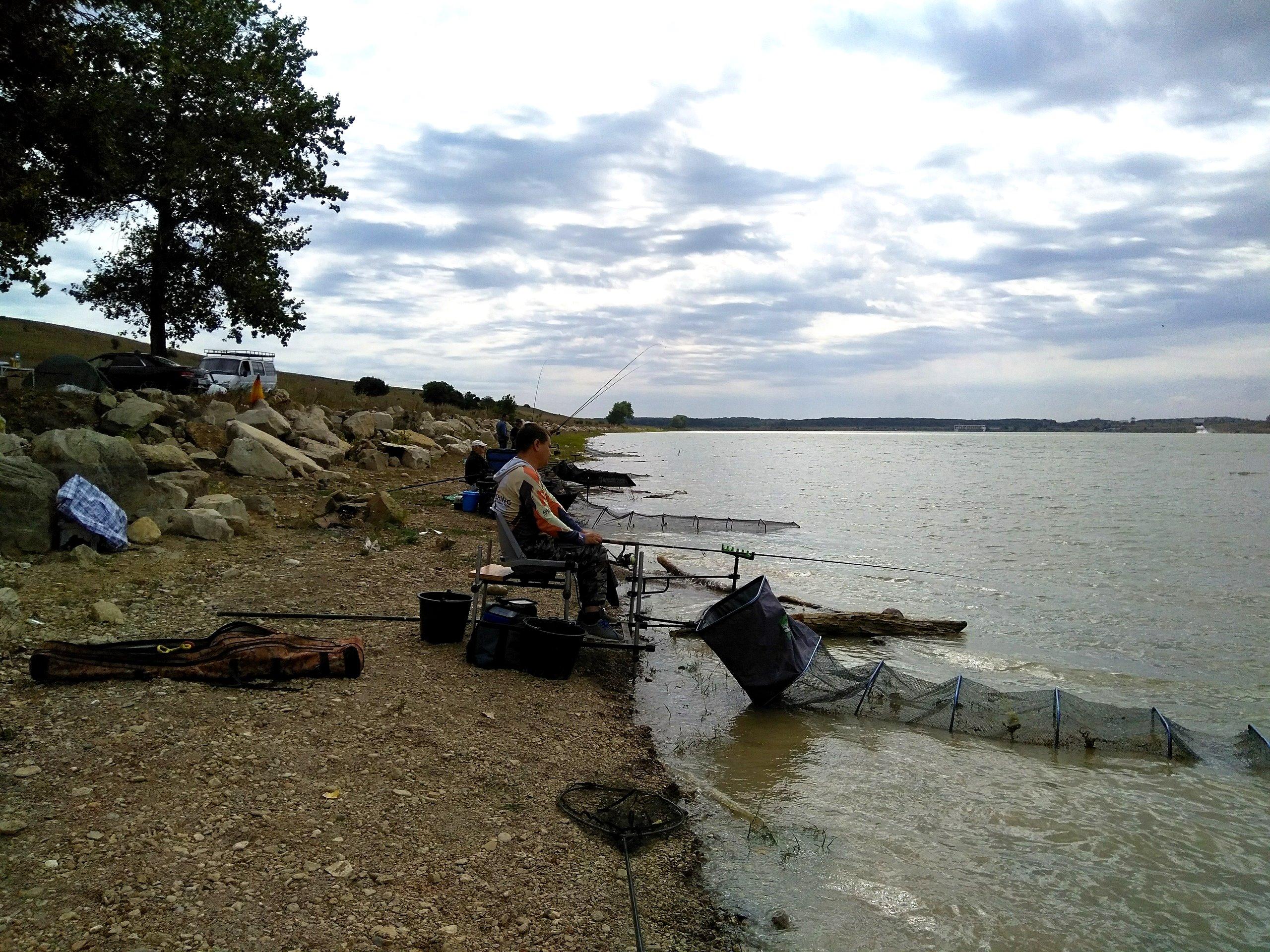 Рыбалка на водохранилище кубань