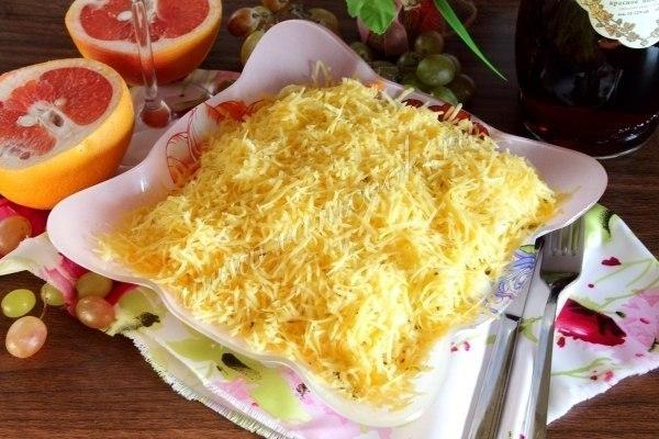 Салат «Охотничий» Ингредиенты: Куриное филе - 250 грамм; Картофель -