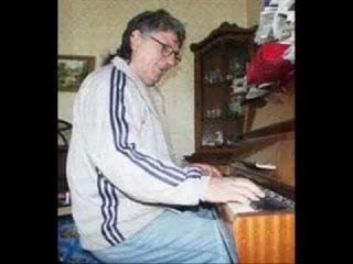 Михай Долган ВИА Норок Артист поет.wmv