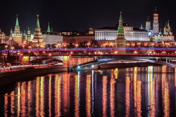 Вечерняя Москва. Автор фото: Омар Пакалов. Доброй ночи!
