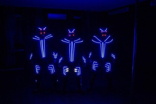 Светодиодный костюм для шоу