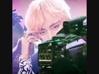 Fansites zooming in to taehyung at the end of the idol performances is a whole mood