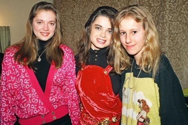 Совсем еще молодые Ирина и Наташа Королевы с Ксенией Собчак.