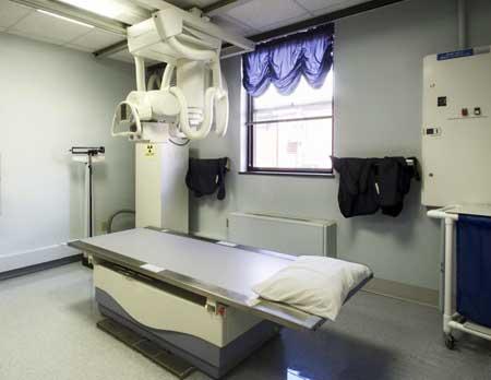 Рентгеновская технология отслеживает местоположение жидкого красителя, вводимого в артерию для ангиографии.