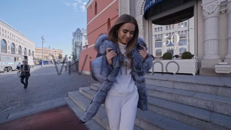 Смени свою прошлогоднюю куртку на стильную парку с натуральным мехом