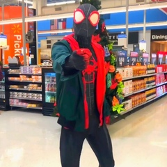 """Ghetto Spider 😂🕺🏻 on Instagram: """"When the @swaelee - 🌻 ft. @postmalone Song Comes On 😂❤️ @spiderversemovie @sonypictureslatino TAG 3 PEOPLE AND I W..."""