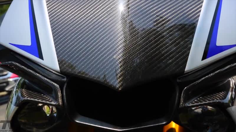 Yamaha R1M drag races R35 GTR on the street