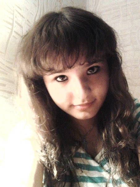 [id177550243|Яна Сергеева]  Офигенная, весёлая, красивая девочка.14 ле