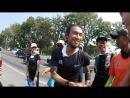 Чувак пробежал с юга на север Тайланда и в каждом городе ему давали за это тысяч по сто рублей. (Какой херней я занимаюсь)