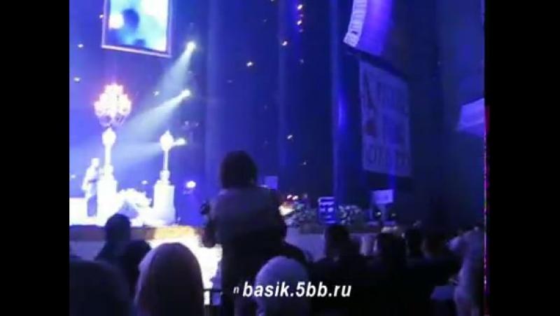 Николай Басков - Женщина в платье белом! БКЗ 'Октябрьский' 7.03.2011г.