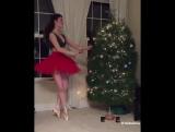 Балерина и ёлка ??