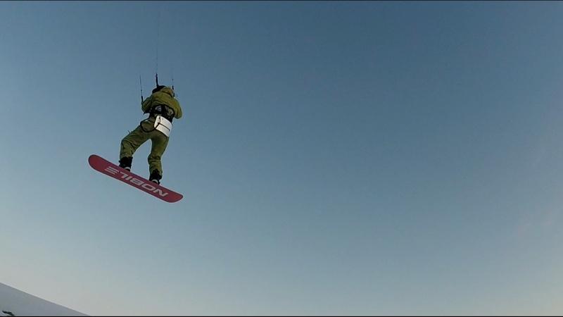 Саня Лабецкий, летит в оператора на кайте! Fly two Fly!