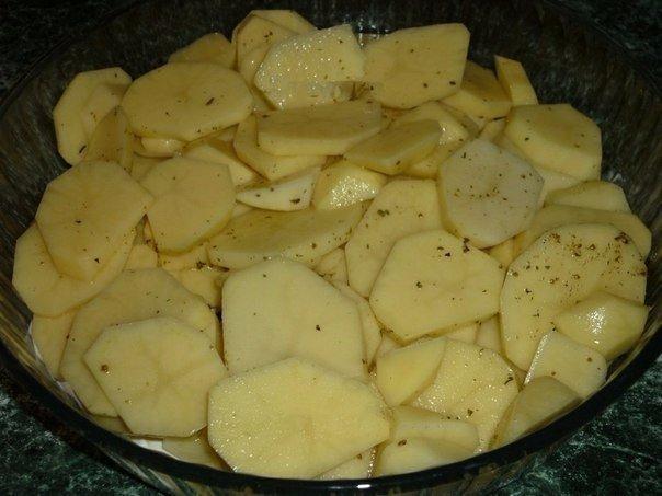 Картошка с куриными ножками в духовке. Этот отличный