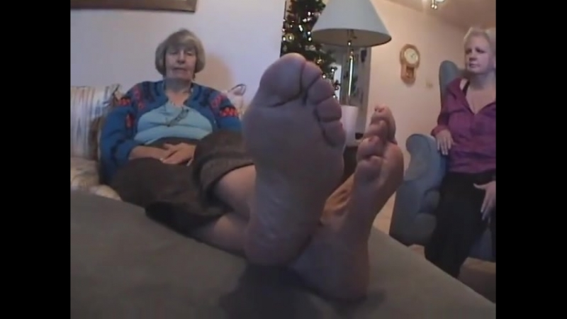 60 year old granny woman candid very huge soles size 11 US