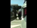 180508 EXO Chanyeol @ Chanyeol trying so hard to open the car door