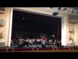 Репетиция перед концертом Глеба Самойлова с симфоническим оркестром в Новосибирске
