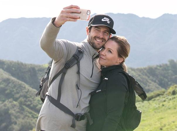 """Звезда """"Беверли-Хиллз, 90210"""" Дженни Гарт передумала разводиться с мужем"""