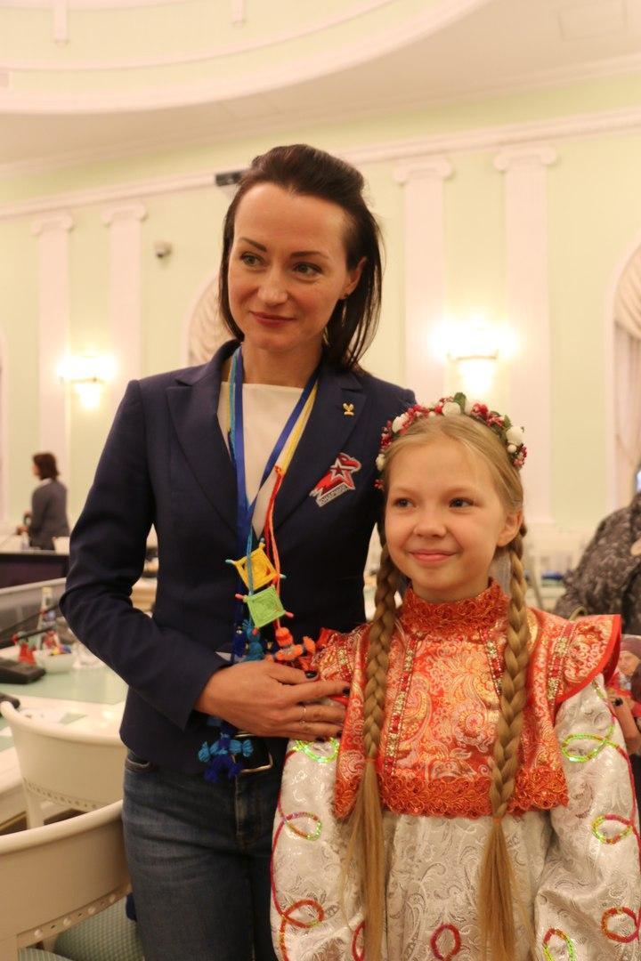 Liza Perminova - Page 9 Gx0NVjsv_DY