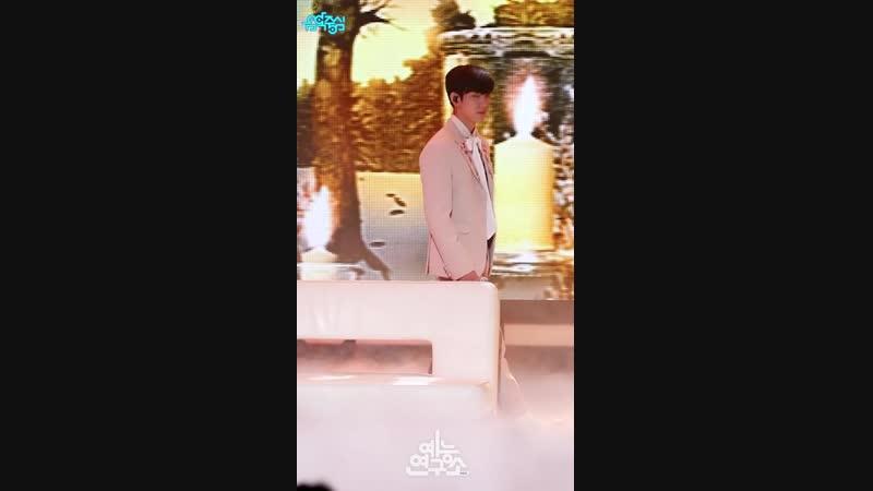 [FANCAM:PERF] 181208 GOT7 - Miracle (Jinyoung focus) @ MBC «Music Core».