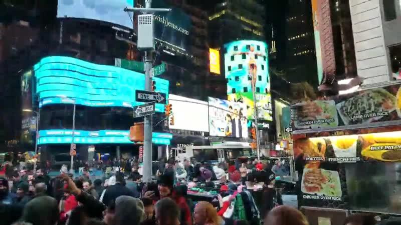 Родина флешмоб на Таймс Сквер после концерта ДДТ Нью Йорк 23 03 2019