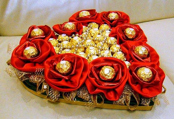 цветы из конфет фото