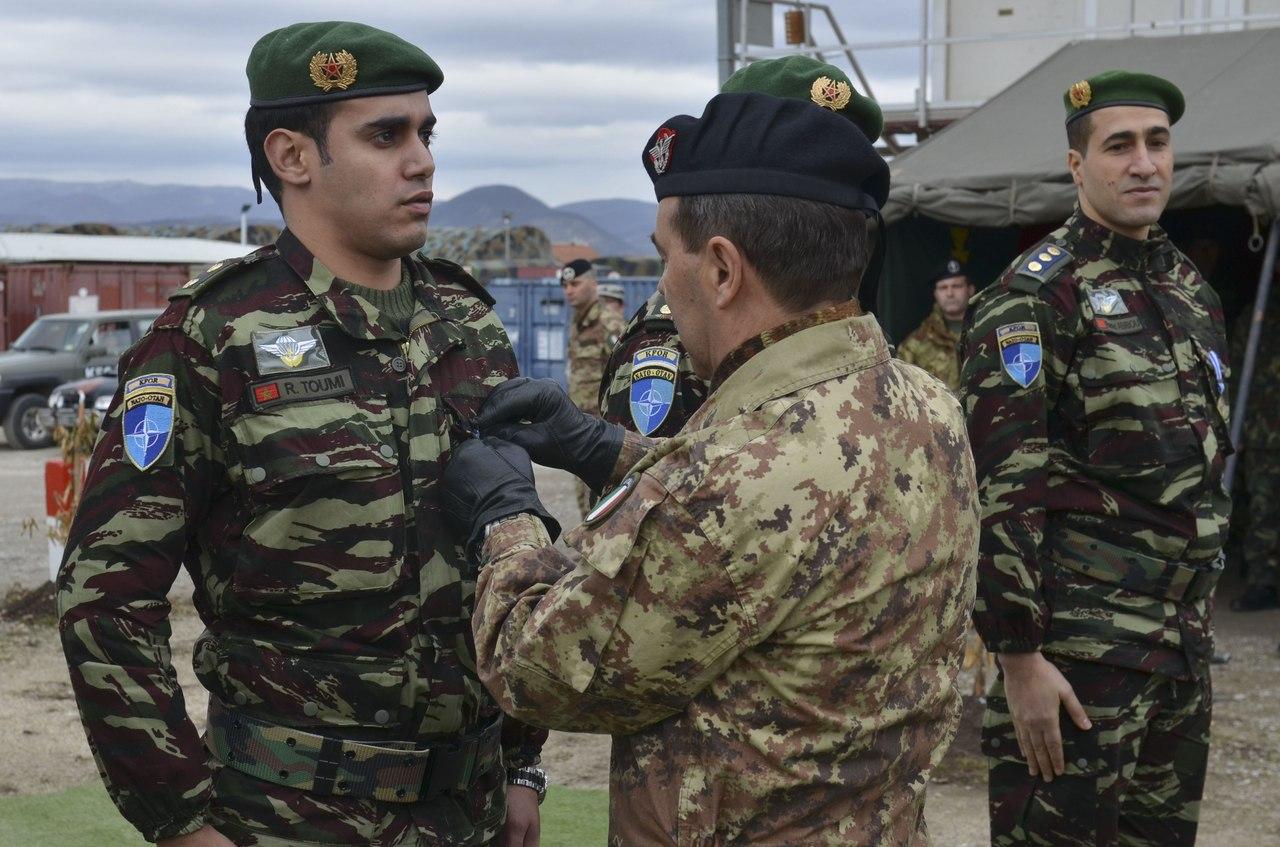 Photos de nos soldats et des Bases Marocaines - Page 2 ELsC9hmOwhw