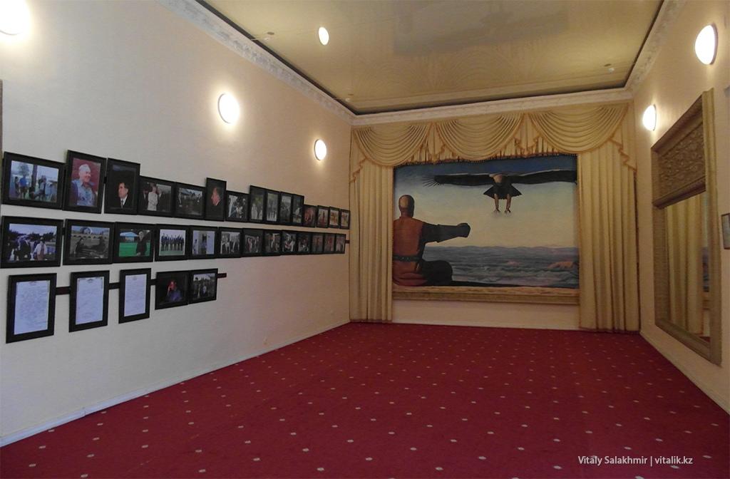 Картины в галерее Рух Ордо, 2018