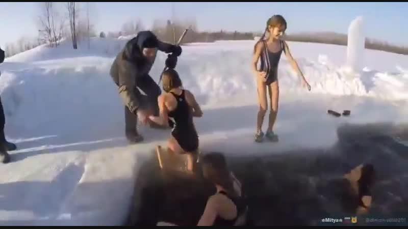 Нижневартовские любители зимнего плаванья сняли достойный ответ моржам из Сургута и Нефтеюганска!