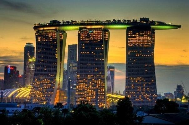 Marina Bay Sands қонақ үйі, Сингапур.