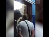 Пьяный авиадебошир накинулся на якутских полицейских