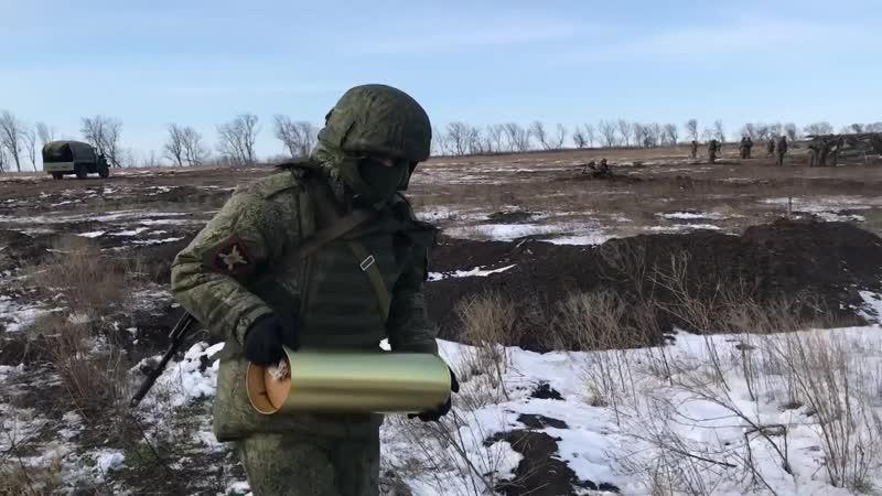 Расчеты гаубиц «Мста-Б» уничтожили механизированную колонну условного противника в Ростовской области