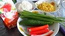 Крабовый салат с кукурузой огурцом и рисом самый простой рецепт готовится 15 минут
