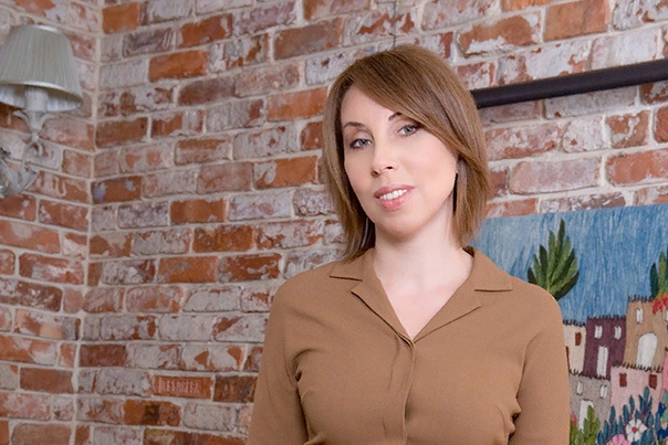 Ирина Меладзе Ирина Меладзе женщина с самобытным характером, железный стержень которой не сломался после предательства мужа. Она доказала всему миру, что жизнь после развода существует. Ирина