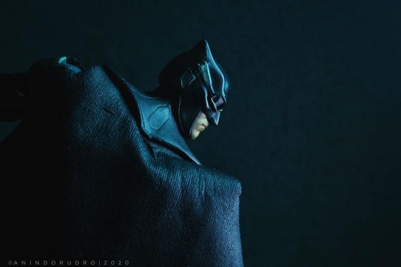 Фотограф Anindo Rudro делает интересные фотографии с фигурками супергероев