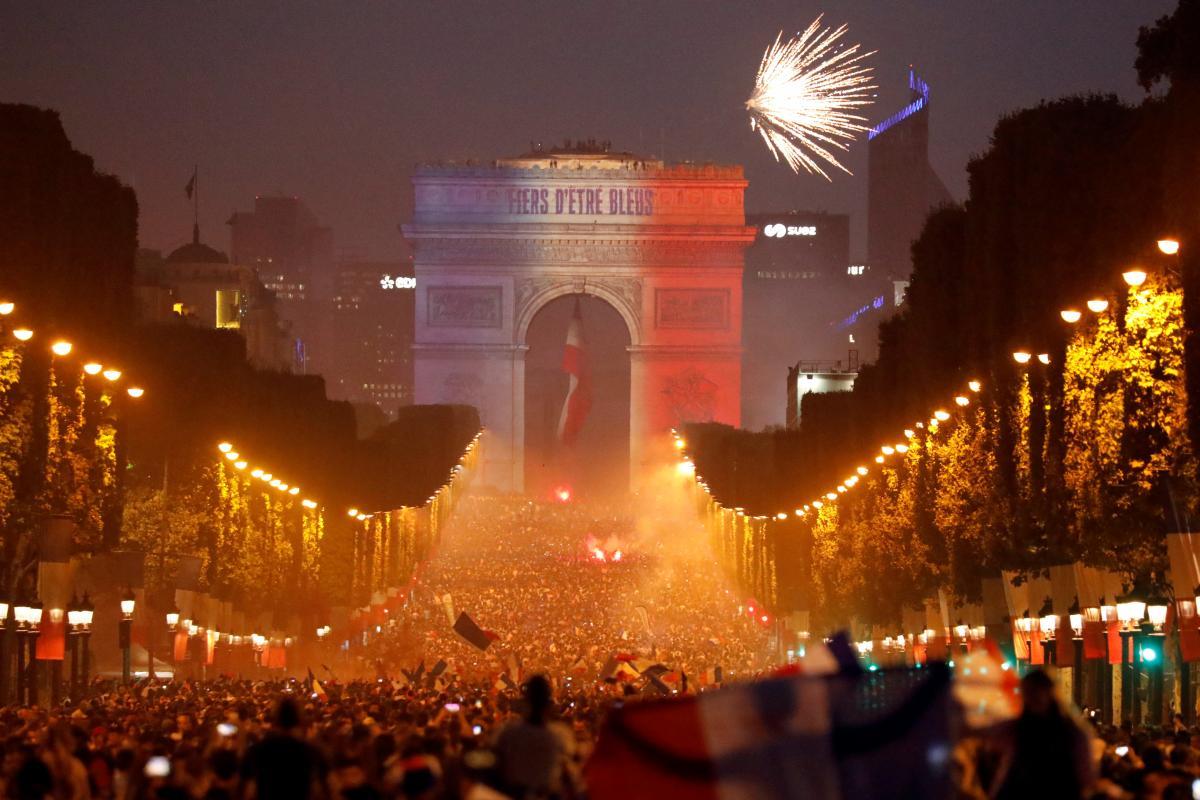 Париж в эту ночь не спал