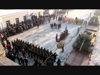 В Чите с оркестром встретили эшелон с танками Т-34, вернувшимися на родину из Лаоса