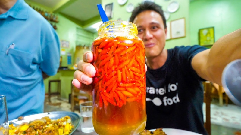Liquid Meat GHOST CHILI PEPPER and King of Crackling! Food Tour in Belo Horizonte, Brazil!