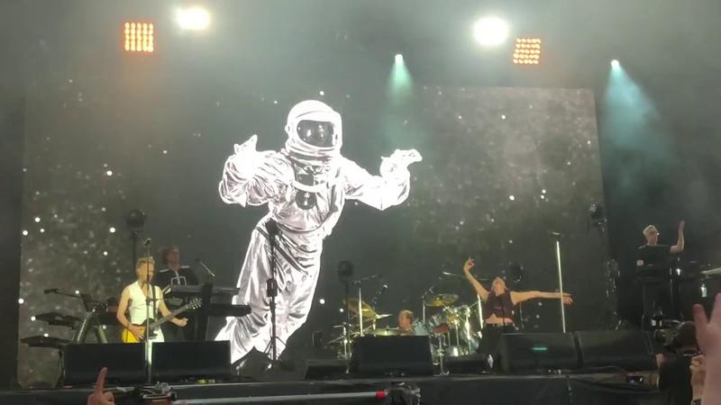 Depeche Mode Cover Me Main Square Arras 7 juillet 2018