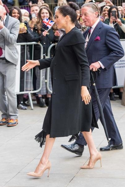 Меган Маркл носит украшения с феминистским значением Меган Маркл никогда не скрывала своей позиции в отношении феминизма герцогиня Сассекская за равноправие полов. И буквально на днях фанаты