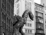 Доисторический монстр в городе