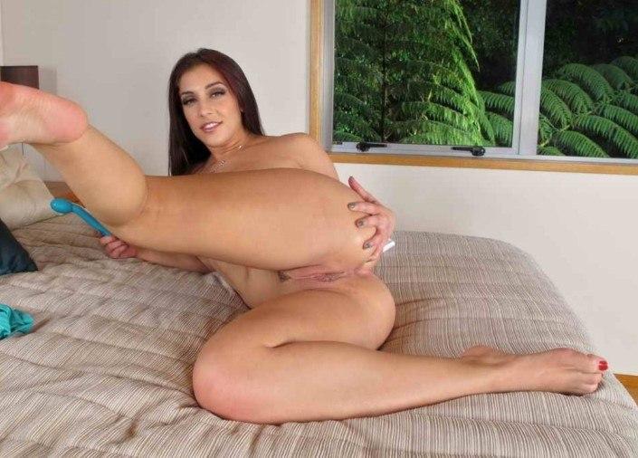 Порно Актрисы - Mischa Brooks