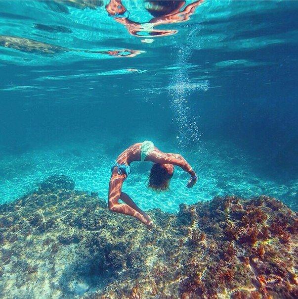 plavanie-pod-vodoy-v-more