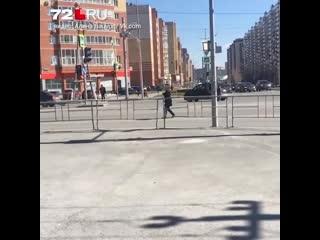 На Пермякова девушка бросалась под машины