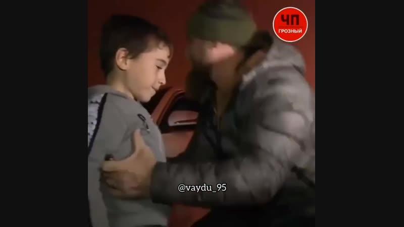 Кадыров подарил автомобиль мальчику который отжался 4000 раз