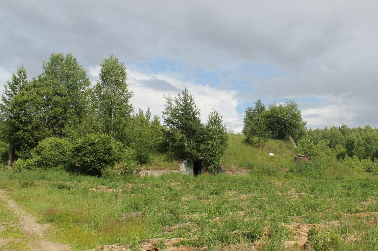 Бывш. стартовые позиции ЗРК С-25