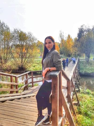 Марина Николаева