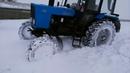 Трактор МТЗ-82 в снежном заносе