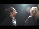 Girls spit each other-Γυναίκες αλληλοφτύνονται